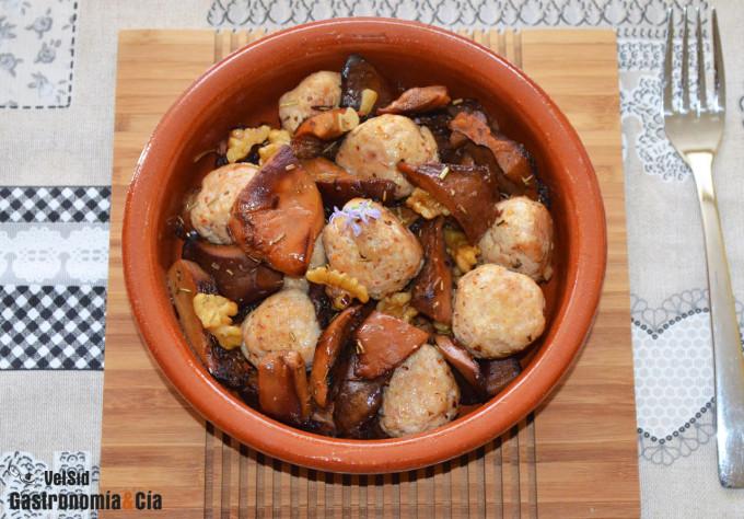 Albóndigas de pollo con níscalos y romero