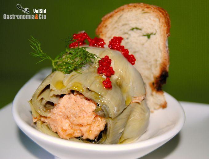 Alcachofas rellenas de rillettes de salmón