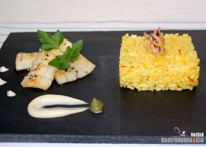 Arroz al azafrán con sepia y mayonesa de wasabi