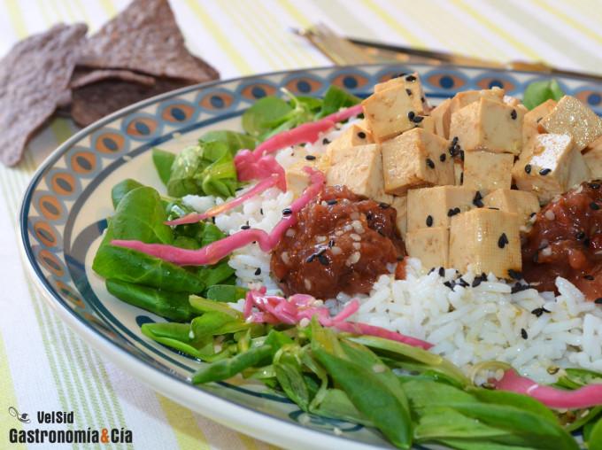Arroz basmati con tofu marinado y chutney de higos y ma