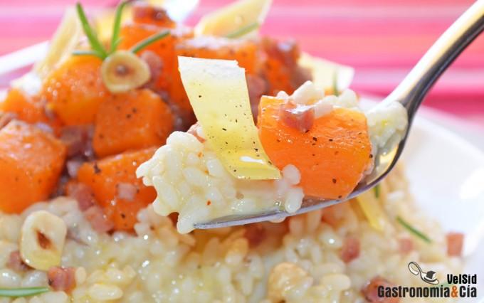 Arroz cremoso con calabaza, jamón y queso ahumado