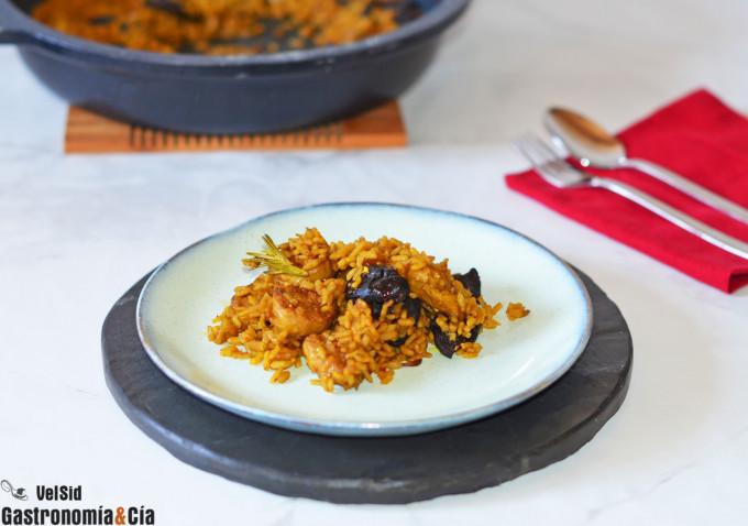Arroz de setas shiitake y salchichas veganas