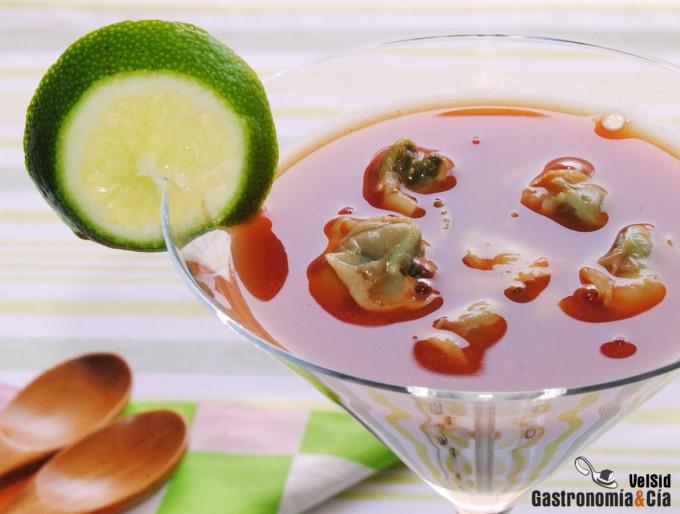 Bloody Mary oriental con berberechos