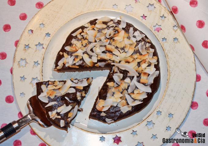 Bizcocho de espelta y plátano con frosting de chocolate