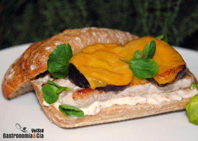 http://www.gastronomiaycia.com/wp-content/photos/bocata_lomo_higos1.jpg