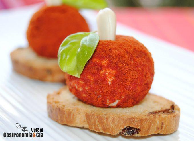 Bolas de queso, albahaca y tomate