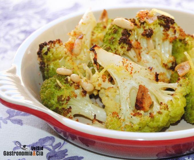 Brócoli al horno con piñones