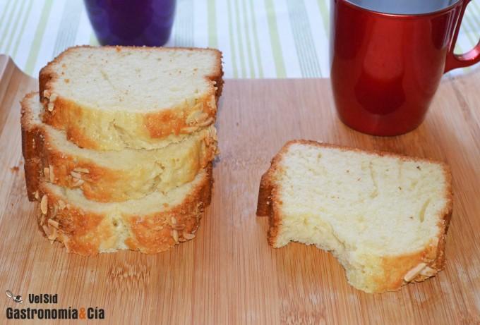 Cake de anís con almendra y naranja confitada
