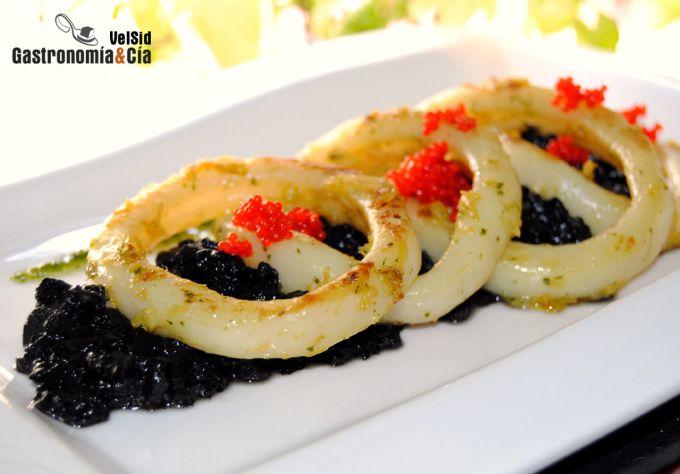 Calamares con cebolla, jengibre y mermelada de tinta de