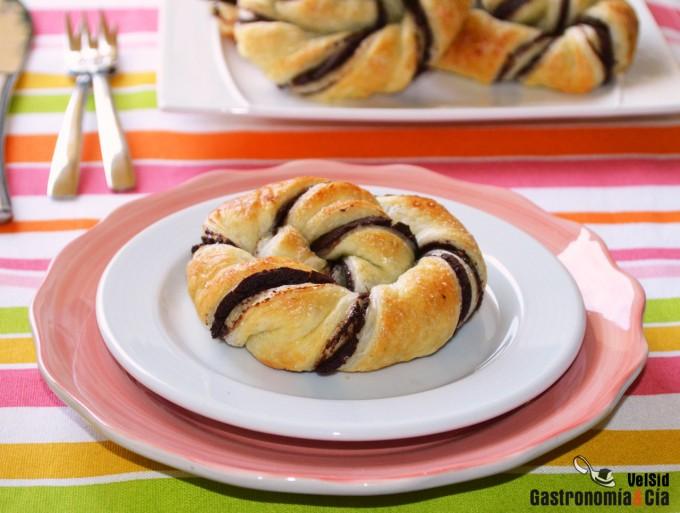 Caracolas de hojaldre y 'Nutella' casera