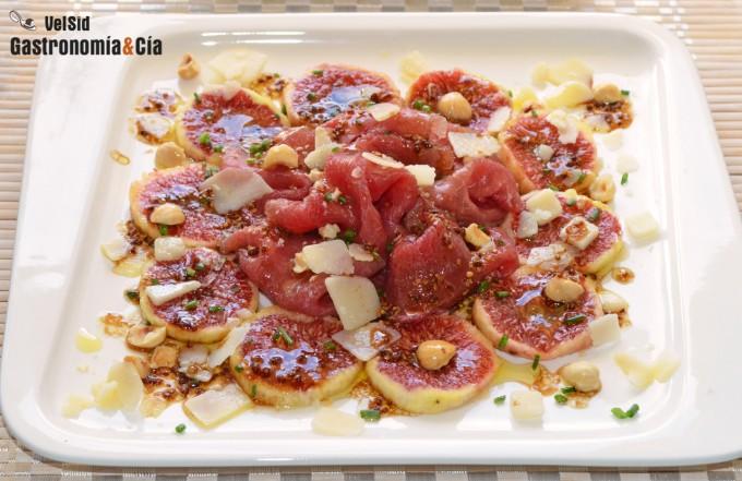 Carpaccio de ternera con higos y vinagreta de mostaza