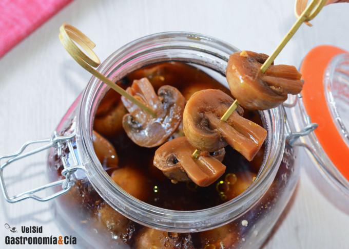 Champiñones en escabeche de naranja y soja