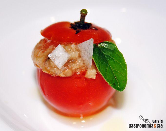 Tomates cherry rellenos de berenjena