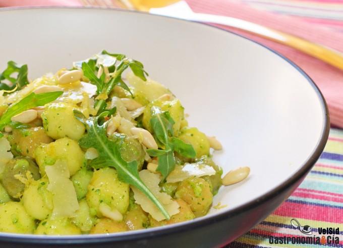 Chicche de patata con pesto de rúcula