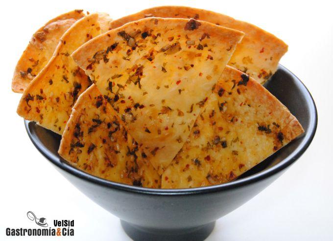 Chips de tortilla con ajilimoji