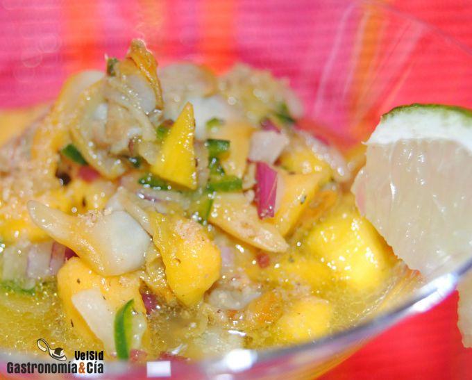 Copa de mango y berberechos