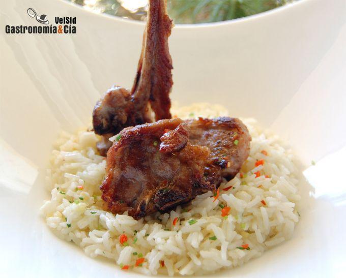Cordero con arroz basmati