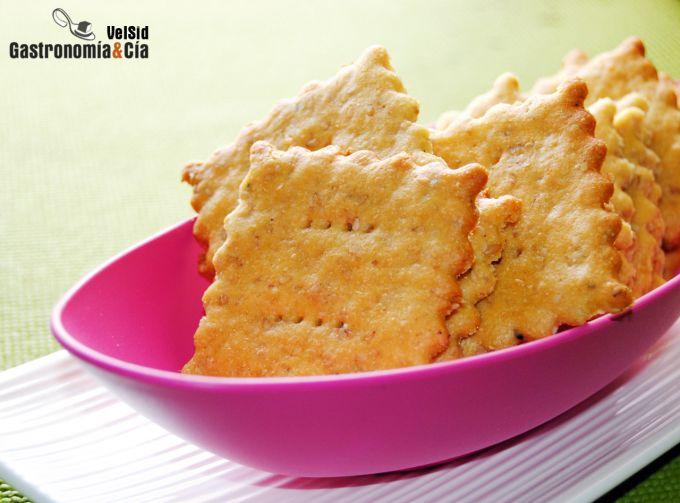 Crackers de parmesano con harina de garbanzo