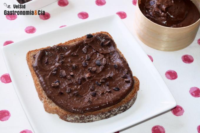 Crema de chocolate para untar saludable (con alubias ne