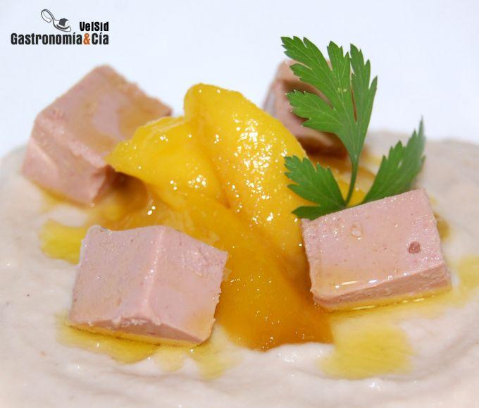 Crema de coliflor con foie y mango