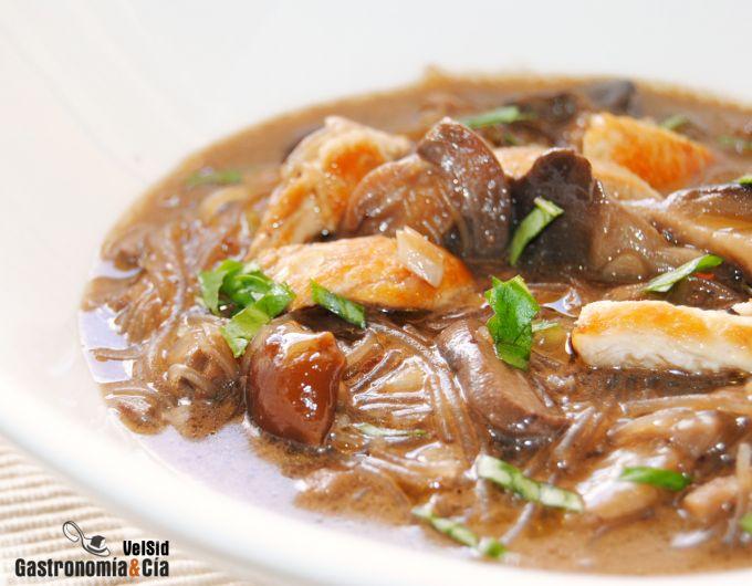 Curry laksa de pollo y setas