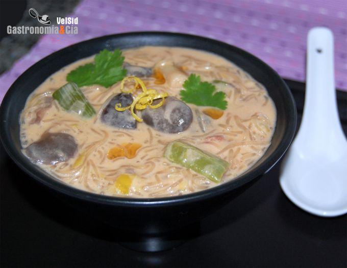 Curry Laksa con setas y gambas