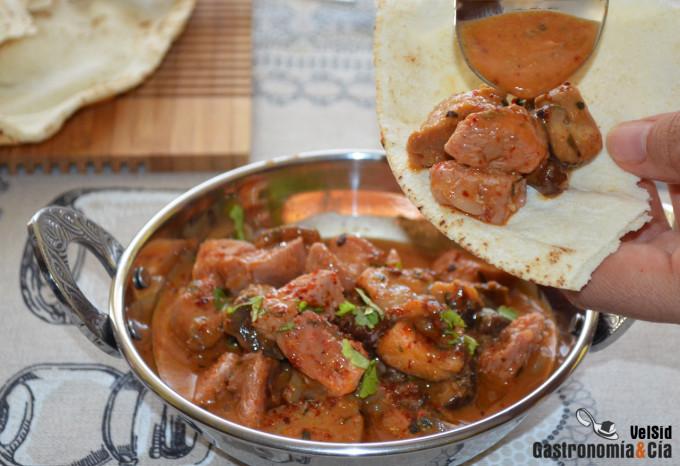 Curry rojo de pavo y setas, una receta para mojar pan