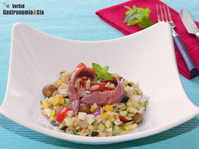 Salade d'orzo aux courgettes et fromage feta