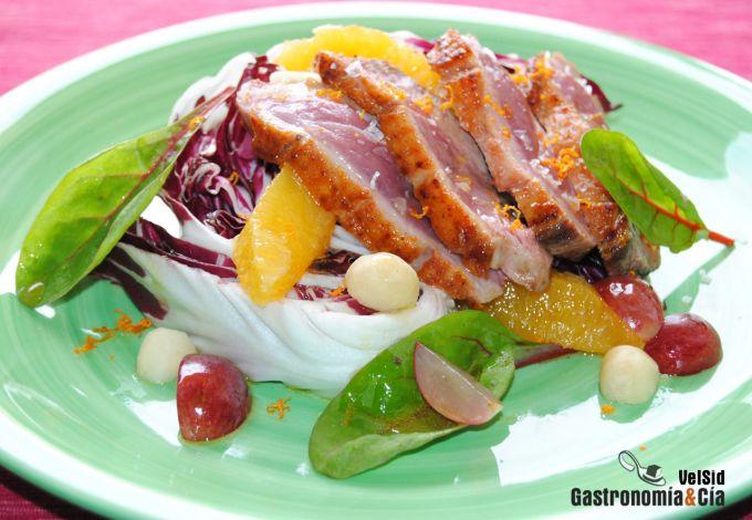 Ensalada de achicoria, pato y naranja