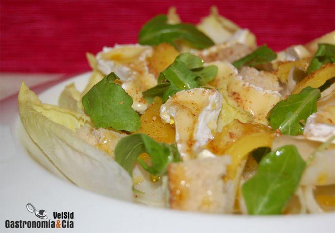 Ensalada de endibias con mango y Camembert