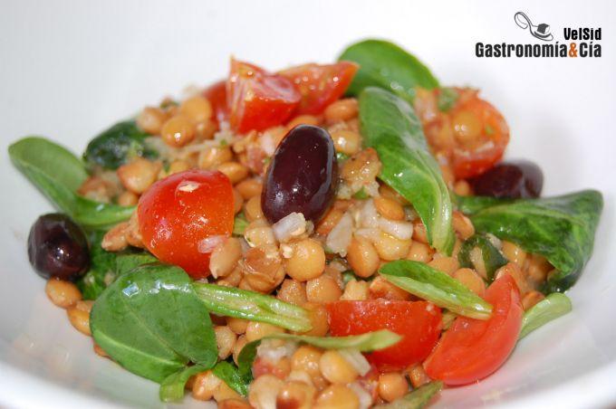 Ensalada de lentejas y tomate