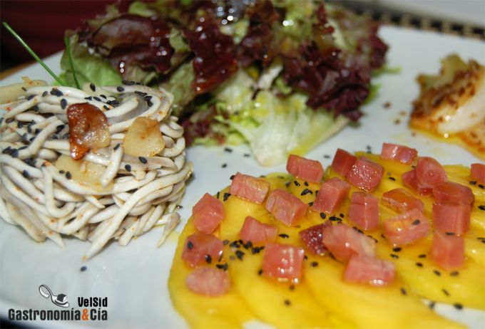 Ensalada con mango y anguriñas