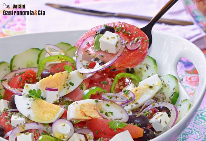 Ensalada griega (Horiatiki Salata)