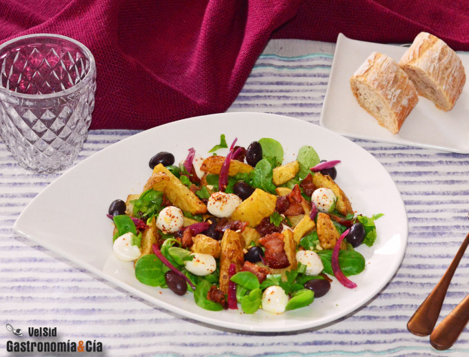 Ensalada de patata, bacon ahumado y mozzarella