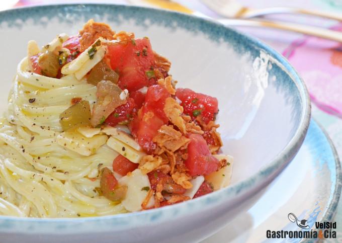 Spaghetti crémeux à la tomate et aux jalapeños