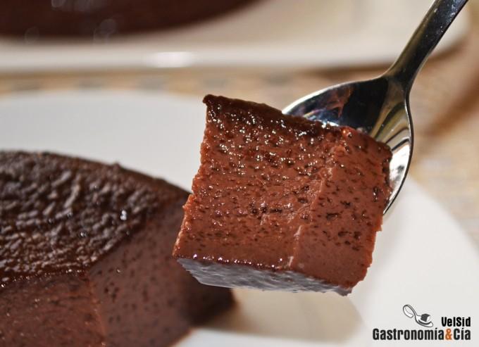 Flan de chocolate en microondas