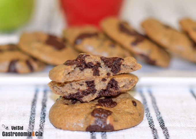 Galletas de tahini y chocolate negro
