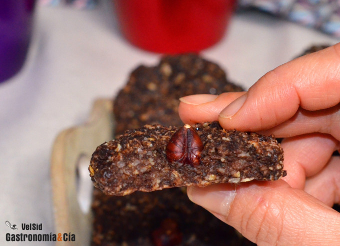 Galletas tiernas de chocolate, avellanas y avena