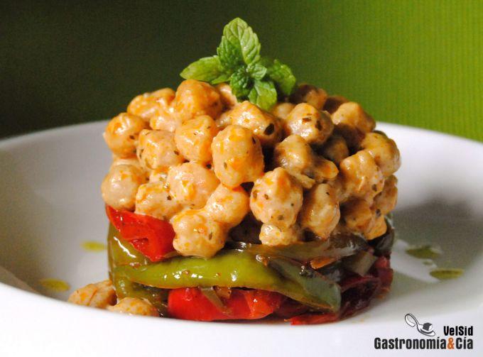 http://www.gastronomiaycia.com/wp-content/photos/garbanzos_queso_pimientos1.jpg
