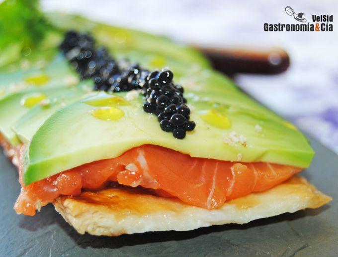 Hojaldre de salmón y aguacate