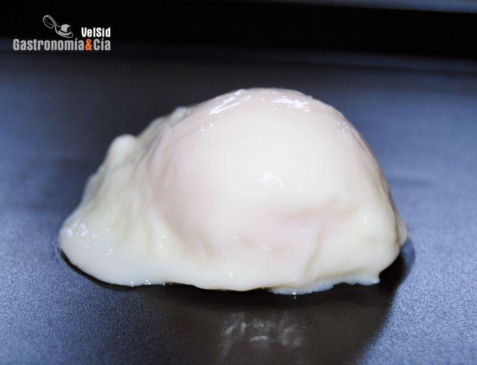 Cómo hacer un huevo escalfado en el microondas