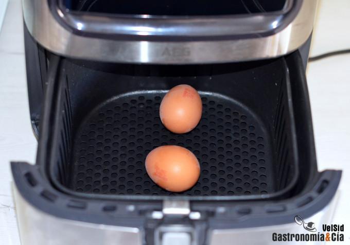 Cómo hacer huevos duros en la freidora de aire
