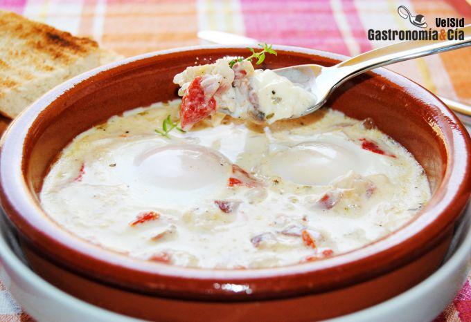 Huevos al plato con pimientos del piquillo