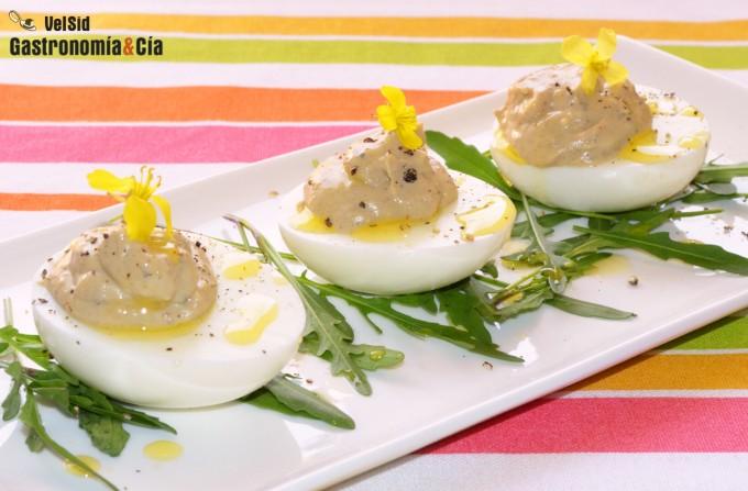Huevos rellenos de boletus y trufa