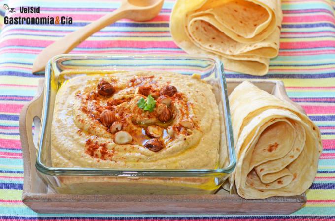 Hummus con calabaza bonetera y avellanas