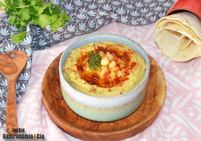 Hummus de garbanzos con brócoli