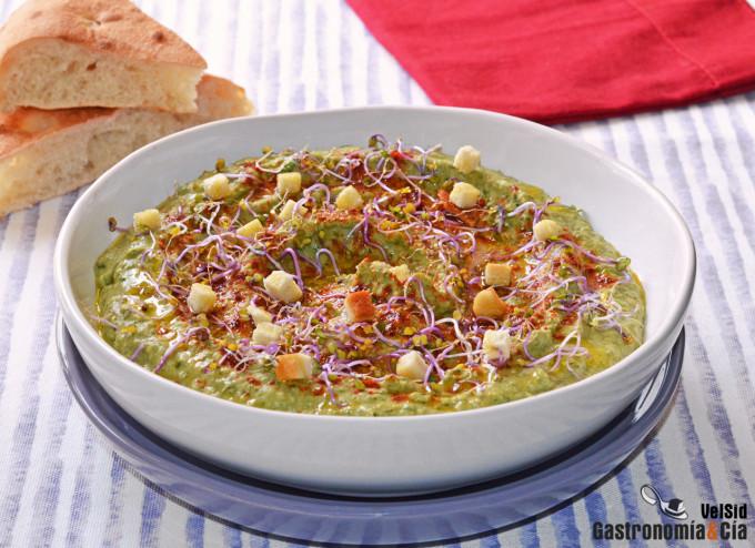 Hummus de garbanzos y col kale