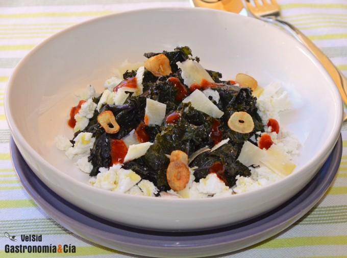 Kale con requesón y salsa kimuchi
