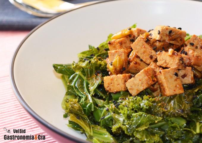 Kale con tofu y kimuchi