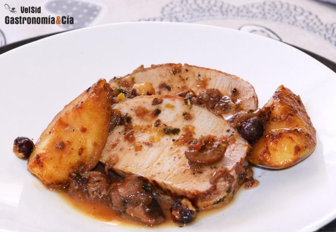 Lomo de cerdo a la cazuela con peras y avellanas, una r